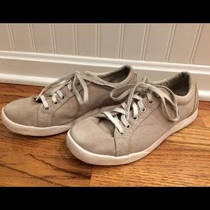 Women's LL Bean Size 8 Khaki Tennis Shoes